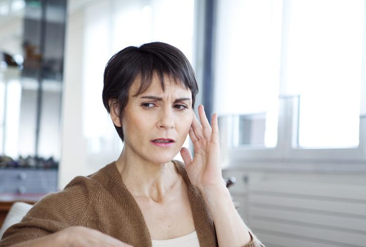 Aides auditives pour soulager acouphènes